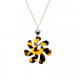 Faux Turtle Shell Pendant Necklace