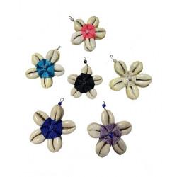 Daisy Flower Shape Cowry Shell Pendant.